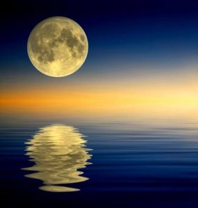 moon-full-over-water